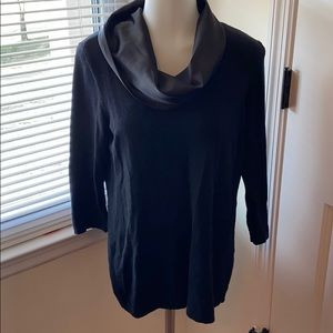 Woman's sweater with silk neck.